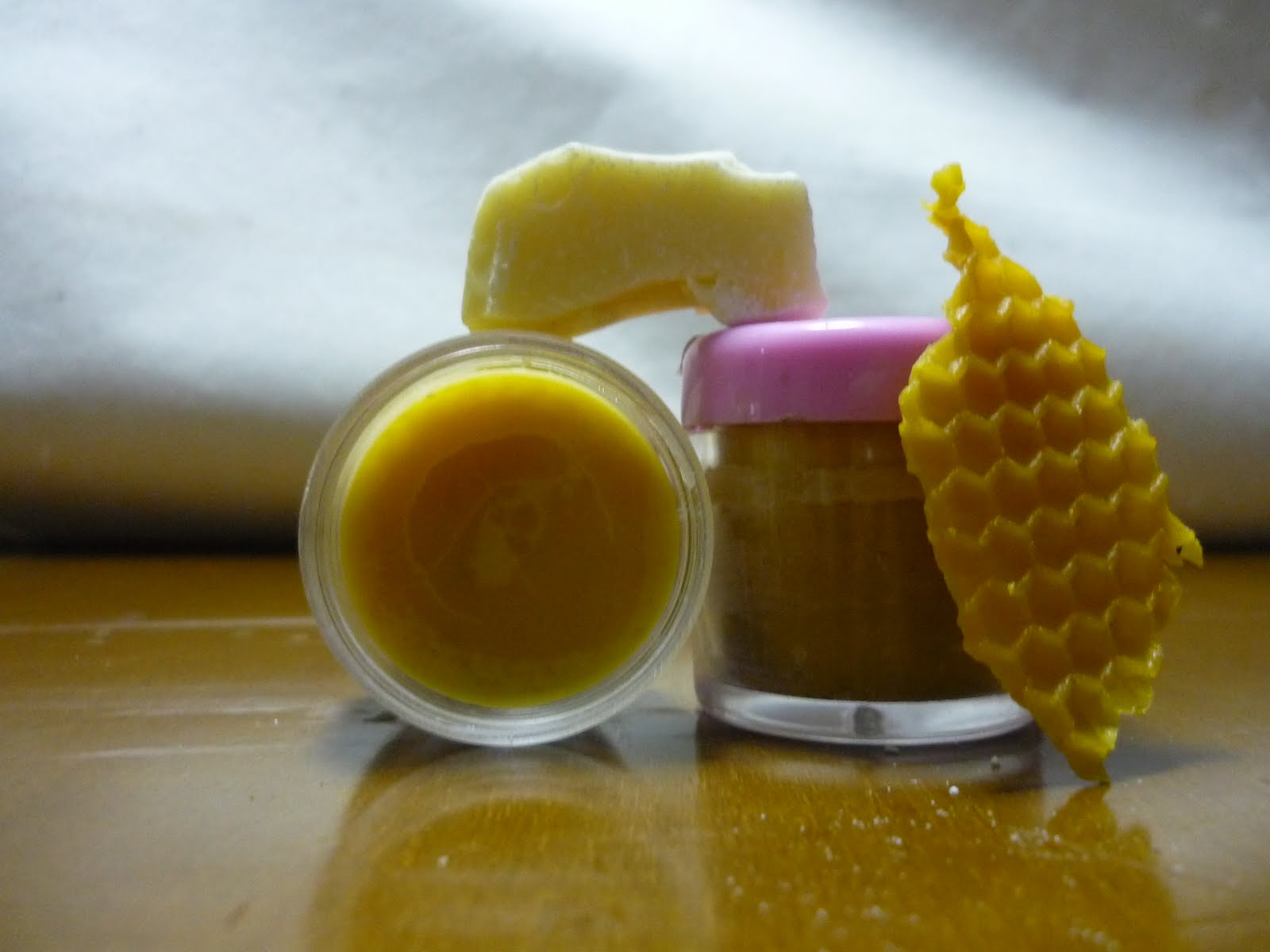 Cursos de naturopatía: Cómo elaborar un bálsamo labial.